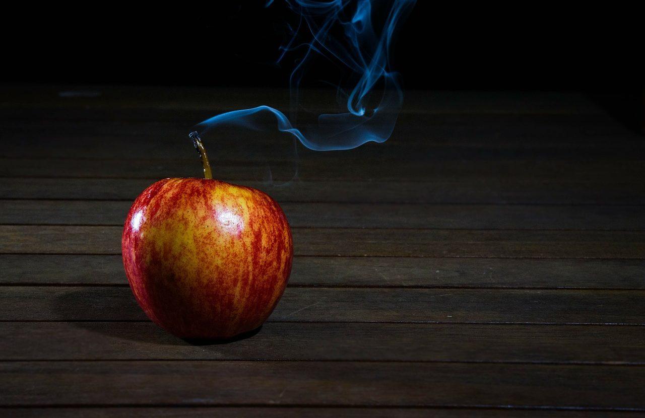 Jak pozbyć się zapachu papierosów? Skuteczna walka z zapachem dymu tytoniowego.