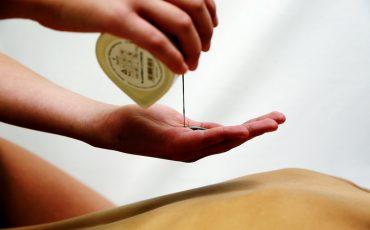 Świece do masażu od pachnącego rytuału do celebrowania chwil