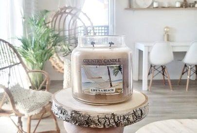 Świece Kringle-bo w świecach urzeka zapach i ciepłe światło